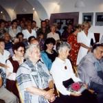 1998 - Vernisáž JR - 60 let - v Lomnici nad Popelkou. Vl. Komárek - 70 let - dostal plastiku Zátiší dle vl. návrhu