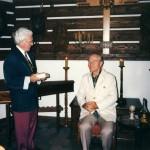 1996 - Předání skleněné plastiky Radovanu Lukavskému